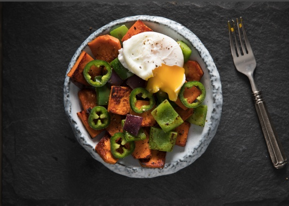air fryer sweet potato and jalapeno potato hash in bowl