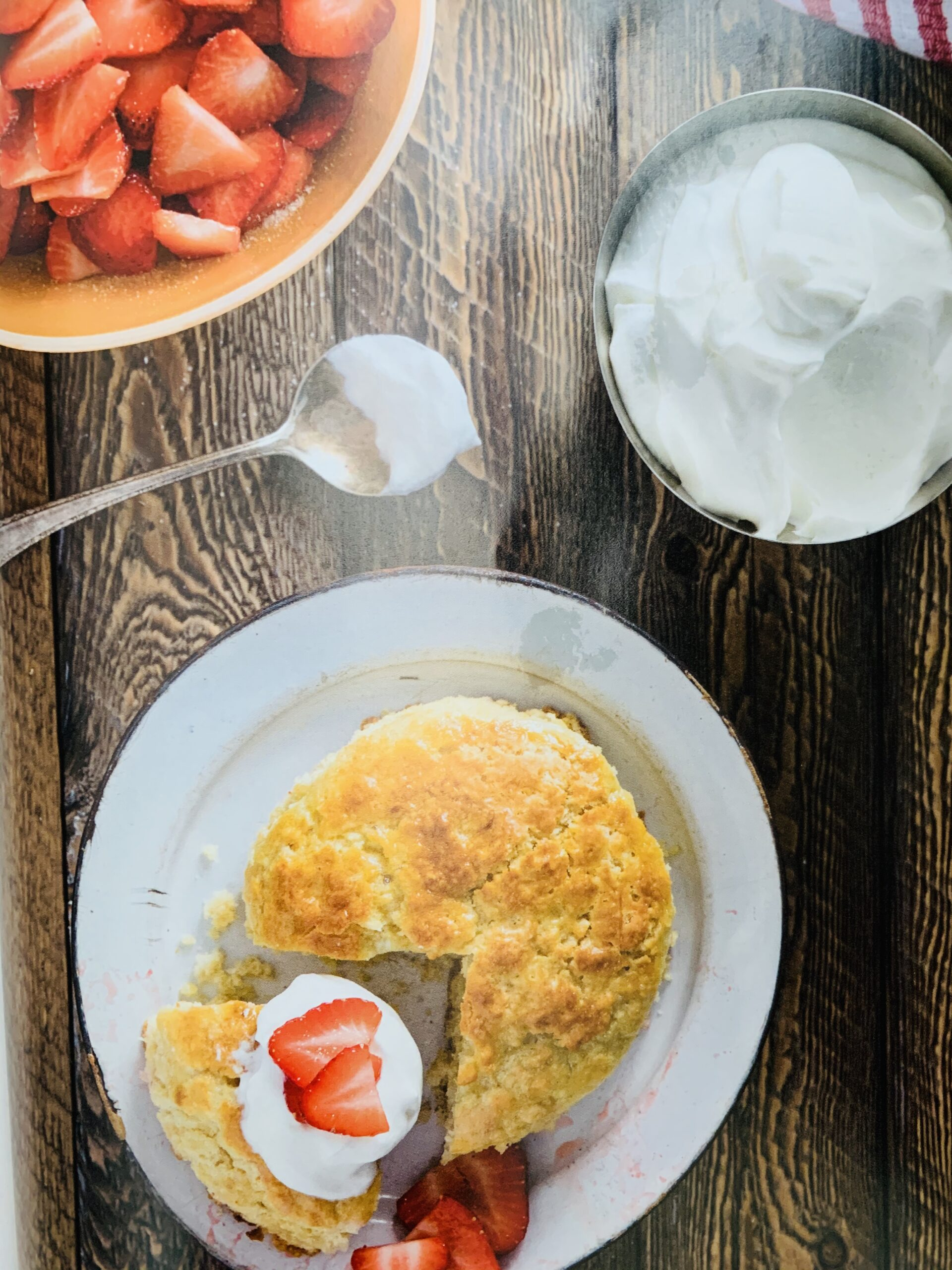 air fryer strawberry shortcake